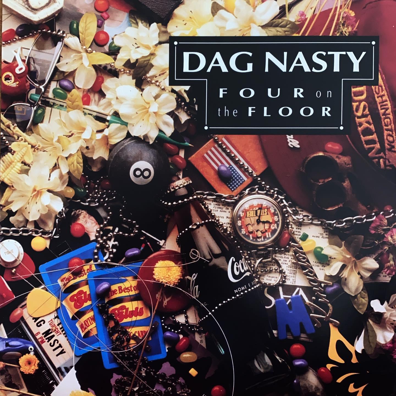 Dag Nasty met de fantastische Dave Smalley op vocals. 20 jaar niet gehoord maar ooit op tape grijsgedraaid. #nowspinning op #vinyl. Zing alles mee. Vet!